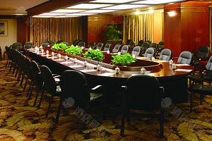2号会议室-董事会式