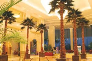 上海美兰湖高尔夫度假酒店(原上海美兰湖皇冠假日)会议场地-酒店大堂