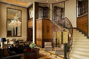 双层皇室套房 (位于酒店第 40 层)