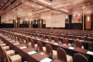 Valley-Wing-Grand-Ballroom---Meeting-Set-Up