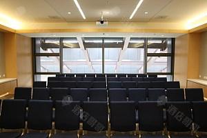 90平会议室-剧院式