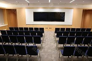 120平会议室-剧院型