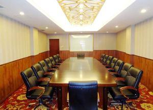 青岛丽晶大酒店会议场地-行政会议室2#