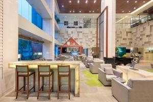 上海古井假日酒店会议场地-大堂吧