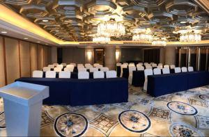 上海东郊宾馆会议场地-课桌式会议