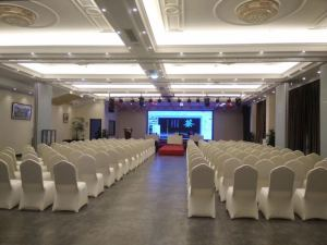 上海东方收藏艺术中心明升m88备用网址m88备用网址-剧院式